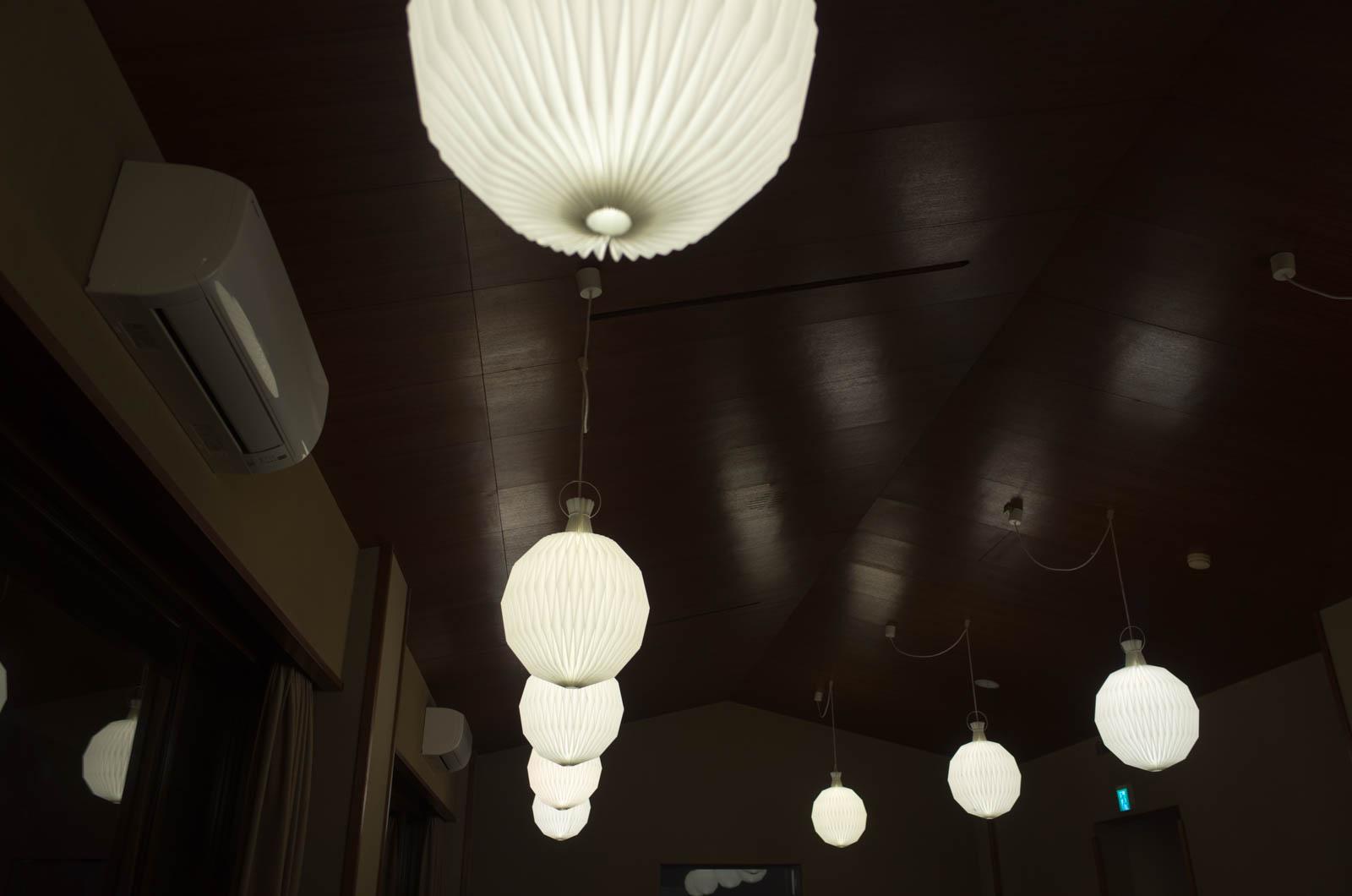 食堂のランプ